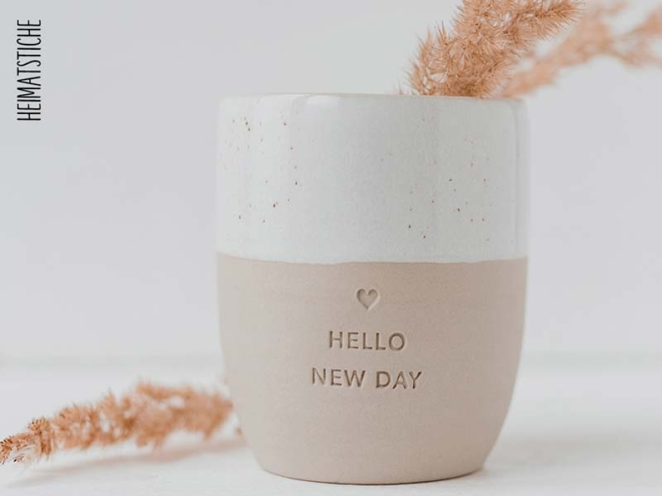 "Becher ""New Day"" Steingut"