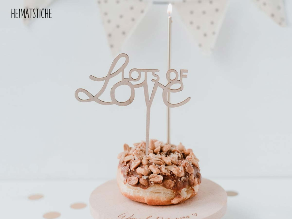 "Cake Topper ""lots of love"""